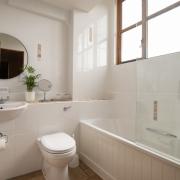 Cowbyre En-suite Bathroom